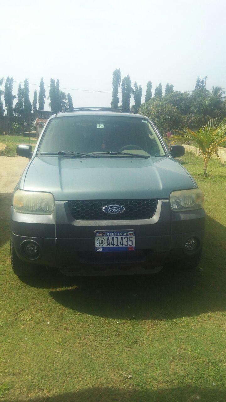 Ford Escape (3500USD Negotiable!)