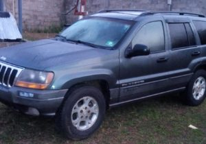 2002 Grand Cherokee(Price negotiable)